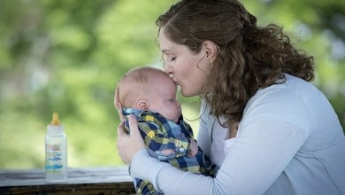 """صورة ولادة أول """" طفل معجزة """" من أمريكية خضعت لعملية حرمتها الإنجاب"""