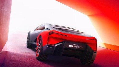 "Photo of صمم صوتها مؤلف موسيقى "" باتمان "" .. شاهد سيارة "" BMW "" الكهربائية ( فيديو )"