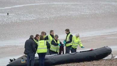 Photo of غرق قارب يحمل عشرات اللاجئين و إنقاذ عشرات آخرين قبالة سواحل طرابلس