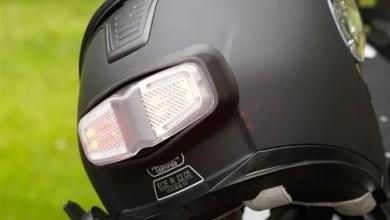 """Photo of """" InView """" .. مصباح مكابح إضافي لخوذة قائدي الدراجات النارية"""