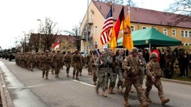 Photo of بعد انتقاد ميركل له.. ترامب يأمر البنتاغون بسحب نحو 10 آلاف جندي من ألمانيا