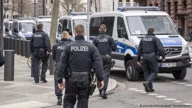 Photo of ألمانيا: الاشتباه بتورط طالبي لجوء في عمليات تعذيب