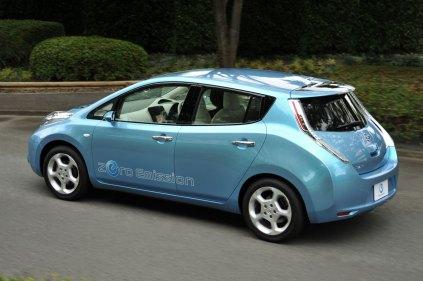 Nissan-LEAF-10-lg