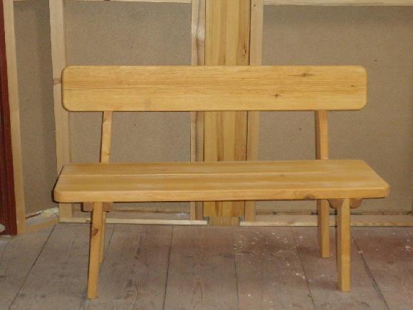 lavice z masivu