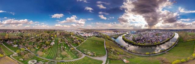 360°-Airpanorama - Blick über den Neckar auf Stuttgart-Münster
