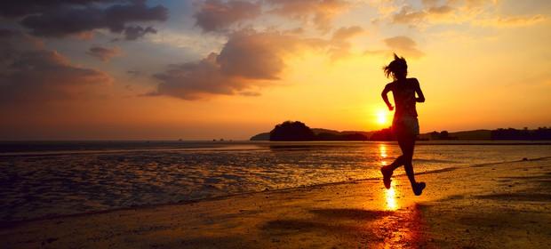 tek-soncni-zahod-obala