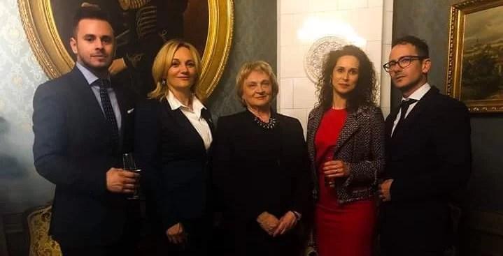 Prijem u palači Dverce povodom Međunarodnog tjedna sestrinstva. S lijeva na desno: Boris Ilić, Tanja Lupieri, Slava Šepec, Cecilija Rotim, Adriano Friganović.