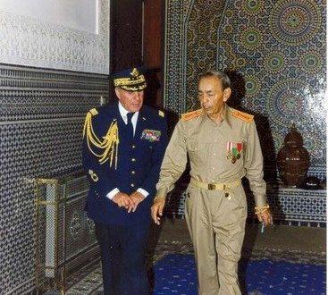 كبير مرافقي الملك الحسن الثاني وولي عهده الجنرال دوبريكاد طيار سيدي بوبكر سكيرج الخزرجي الانصاري