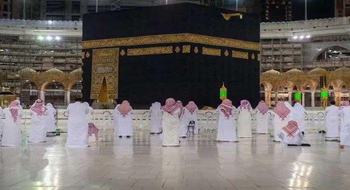 نماز تراویح کے دوران مسجد حرام میں سماجی دوری پر کیسے عمل کیا جا رہا ہے