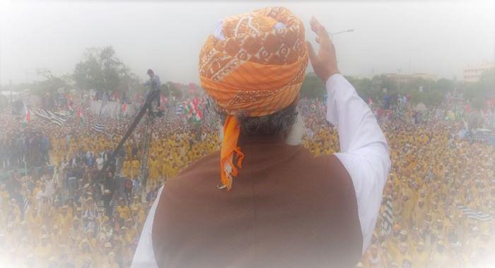 عمران خان کیخلاف تحریک اعتماد کا آپشن موجود ہے: مولانا فضل الرحمن