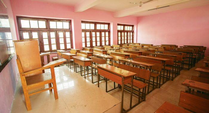 سکول کھولنے یا نہ کھولنے کا فیصلہ 7 ستمبر کو ہوگا شفقت محمود