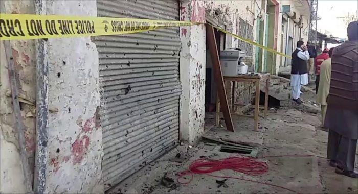 چارسدہ ضلع کچہری میں فائرنگ ،3 افراد قتل
