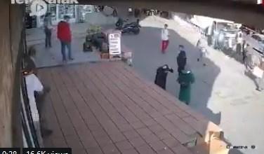 Photo of بالفيديو.. اعتداء على امرأة محجبة في شوارع اسطنبول التركية يثير جدلاً كبيراً …