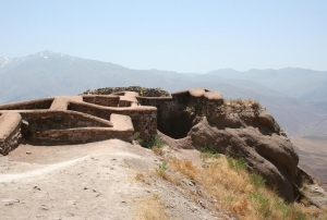 أطلال قلعة ألموت في إيران (wikipedia/Payampak)