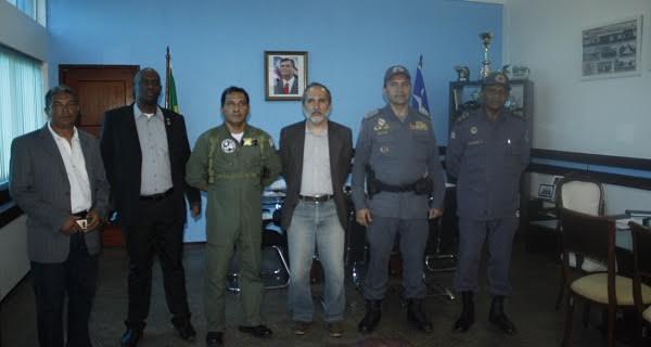 Comissão de Segurança Pública faz inspeção em presídio militar.