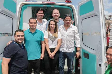 O deputado estadual também acompanhou as outras autoridades no ato de entrega de uma ambulância à população de Pinheiro,