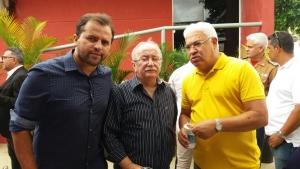 Deputados Jairo de Glória, Luciano Bispo e Zezinho Guimarães durante a visita