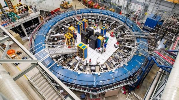 النتائج الجديدة من تجربتين تعزز دعم الفيزياء الجديدة