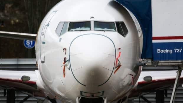 تخبر بوينج بعض عملاء 737 ماكس بمعالجة مشكلة كهربائية محتملة