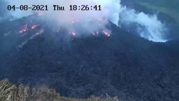 """تم الإبلاغ عن """"انفجار متفجر"""" في بركان لا سوفرير في سانت فنسنت"""