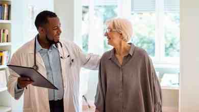 تقدم ضئيل في زيادة أعداد الأطباء السود