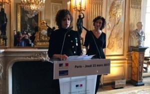 توشيح الكاتبة المغربية ليلى السليماني بوسام الآداب من درجة ضابط