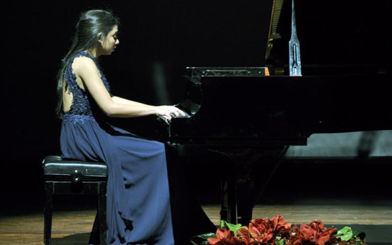 المغربية نور عيادي تفوز بالجائزة الأولى للمسابقة الدولية للموسيقى الكلاسيكية