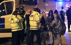 قتلى وجرحى في انفجار ارهابي بقاعة للحفلات ببريطانيا