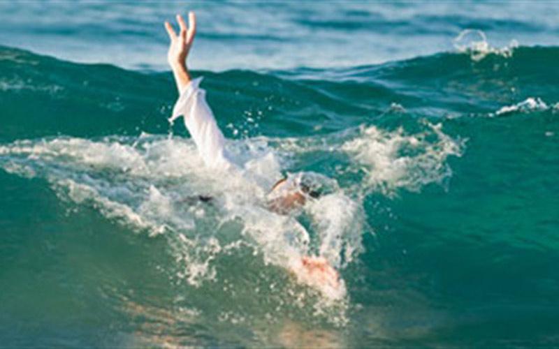 شاطئ امنتركا يعصف بحياة شابة