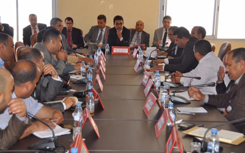 سيدي إفني: عامل الإقليم يترأس اجتماعا  حول  القانون رقم 12-66 المتعلق بزجر ومراقبة المخالفات في مجال التعمير والبناء