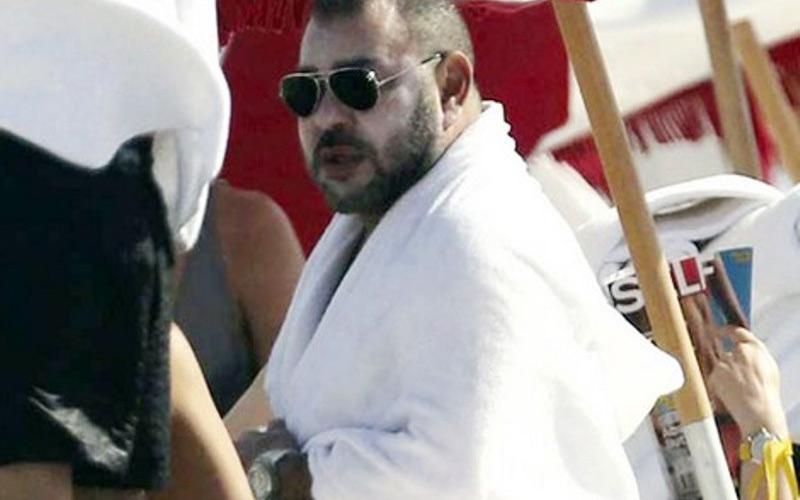 النويضي..نشر صور الملك بالبحر يعطي صورة إيجابية عن الملك كشخص متفتح