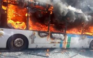 النيران تلتهم حافلة للنقل العمومي بسيدي بوقنادل