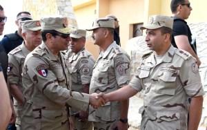 جيش السيسي يدمر تسع سيارات محملة بالأسلحة بالحدود مع هذه الدولة