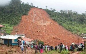 كارثة طبيعية أودت بحياة أكثر من 400 شخص