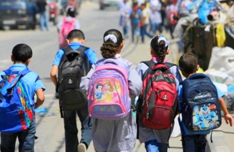 بين دعوات تأجيل الدخول المدرسي وخطة الوزارة الثلاثية.. 'لا جدوى للتعليم عن بُعد دون حجر صحي'