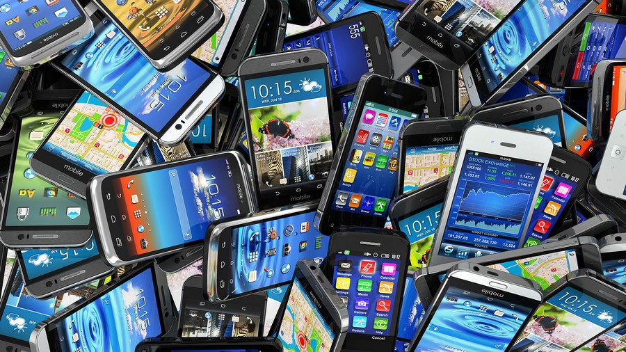 السّلطات المغربية تمنع دخول هواتف ذكية من الجيل الجديد تم تهريبها بسيارة إسبانية