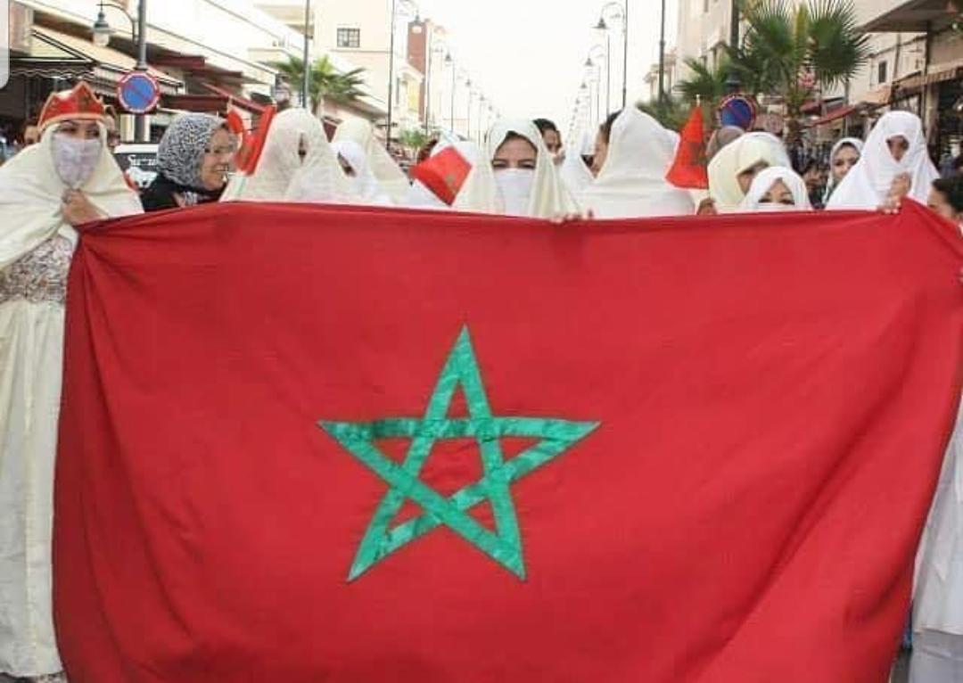 نشطاء مغاربة يحنون للزمن الجميل ويطلقون #اللثام_والجلباب_المغربي'