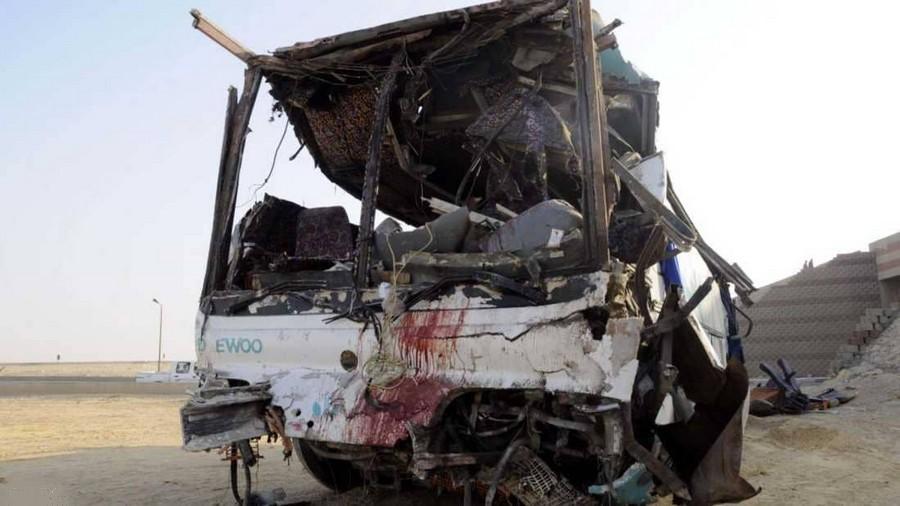 عاجل. عبوة ناسفة تُفجّرحافلة سياحية بالجيزة.. وعشرات الضحايا الأجانب