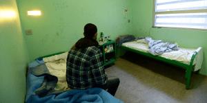 المغاربة ضمن 8054 مَغاربي مُعتقل بمراكز الاحتجاز الإداري بفرنسا