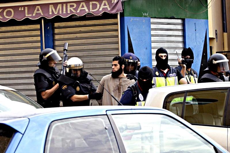 هل كان ينوي دخول المملكة.. اعتقال الزعيم الداعشي المغربي «إي. إم. إيه.» بإسبانيا
