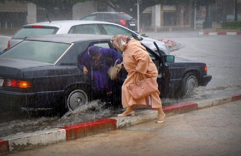 طقس السبت | أجواء غائمة تعم سماء المملكة. واستمرار نزول أمطار رعدية بهذه المناطق