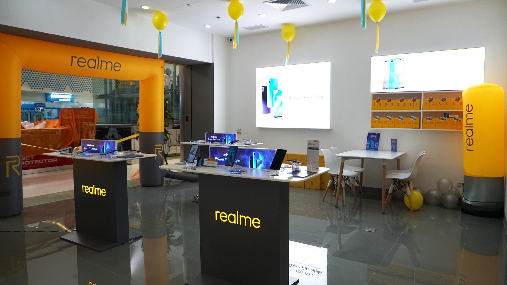 علامة Realme تكشف عن أحدث ابتكاراتها بالمؤتمر العالمي للهاتف بشنغهاي
