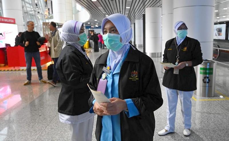 حالة رعب تسود العالم.. وزارة الصحة: لا إصابة بفيروس كورونا وسط المغاربة