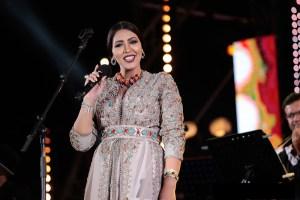 أسماء لمنور تستأنف نشاطها الفني من قطر