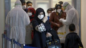 مغاربة عالقون بالسعودية: الحرارة تصل 56 درجة والماء غير صالح للشرب ونطالب بإعادتنا لأرض الوطن
