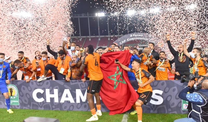 'بركان' تواجه الأهلي في كأس السوبر الافريقي.. و'زكريا مؤمن' يرفع كأس الأبطال