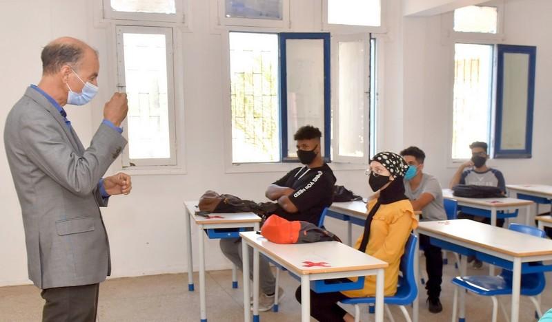 وزارة التعليم تقرر إرجاء الانطلاق للدراسة بالمغرب إلى الجمعة فاتح أكتوبر