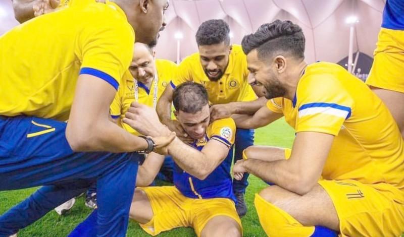 حمد الله يثير الغضب بالسعودية بعد رفضه تسلم ميدالية 'خادم الحرمين'