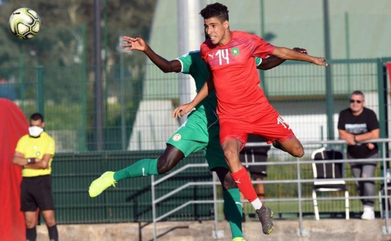 إيقاف موهوب لمبارتين بدعوى 'حركة لا رياضية' خلال مباراة الجزائر
