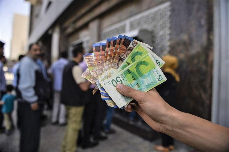 بعد عودة التنسيق الأمني.. إسرائيل تحول أكثر من مليار دولار إلى خزينة الفلسطينيين